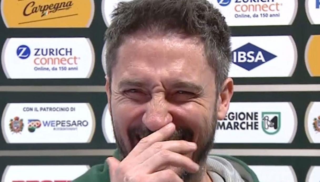 """Pozzecco pazzo della Dinamo: """"Siamo una squadra vera"""""""