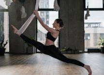 yoga aereo amaca benefici