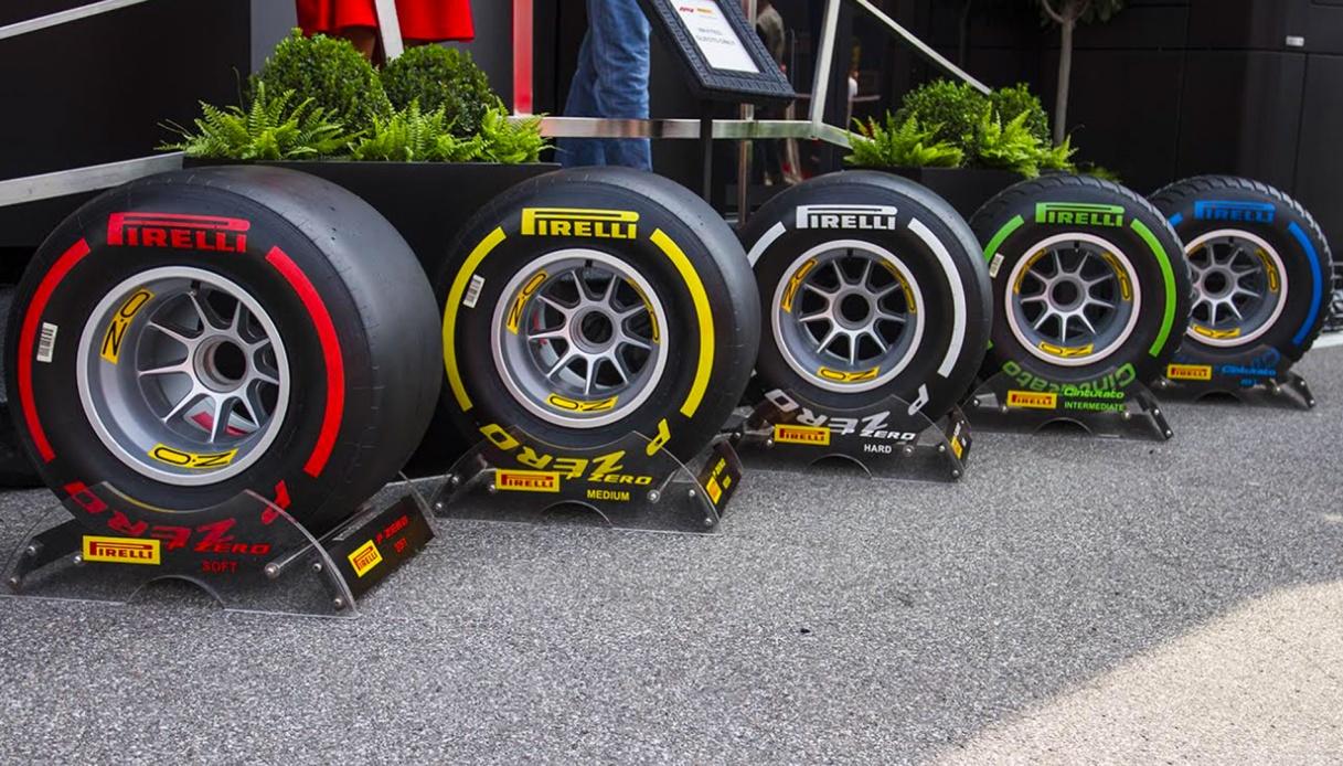 """F1, la Mercedes ha paura delle nuove gomme: """"Un salto nel buio"""""""
