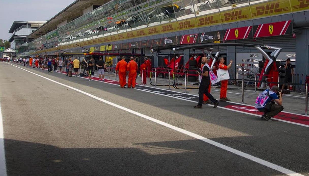 Sainz, primo giorno alla guida della Ferrari