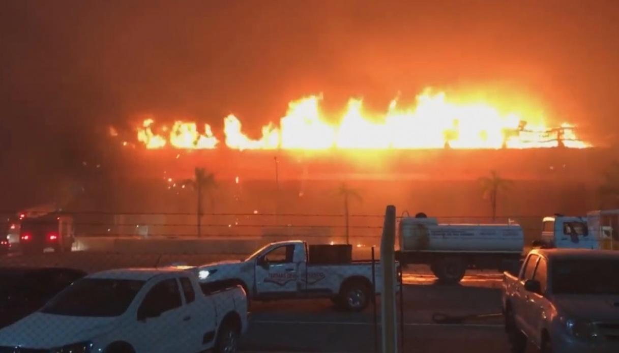 Termas de Rio Hondo, incendio sul circuito di MotoGp