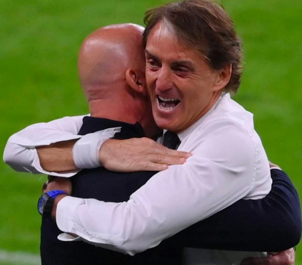 Dalla finale persa agli abbracci di gioia: gli Europei di Mancini e Vialli
