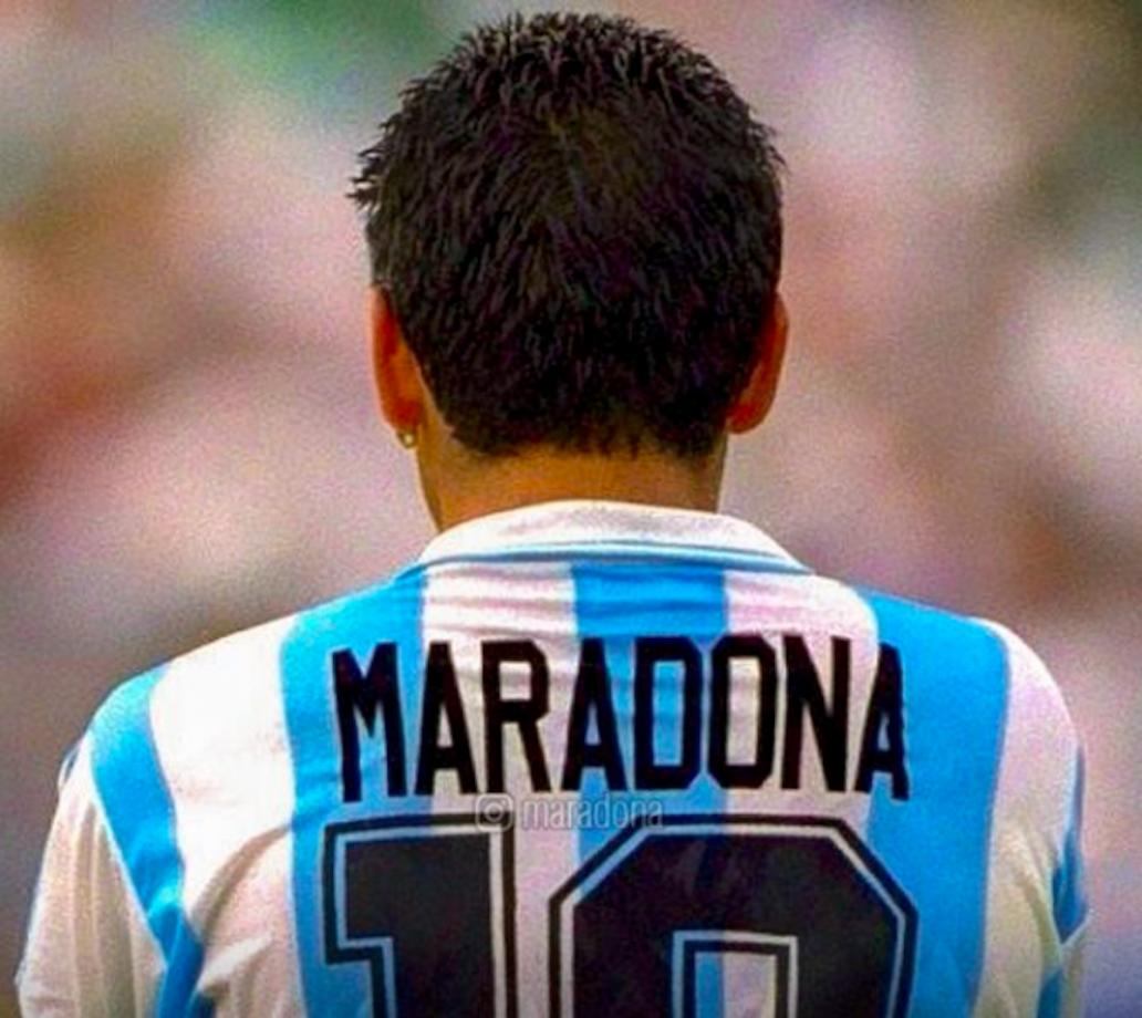"""Italia vs Argentina: la proposta di giocarsi la """"Supercopa Maradona"""""""